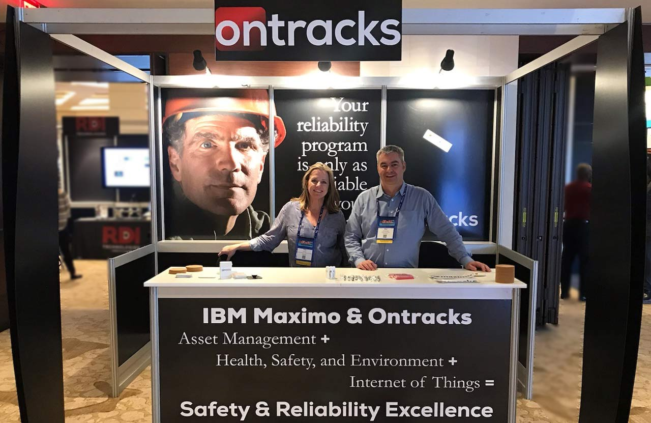 Trish and Mike in Ontracks booth at IMC